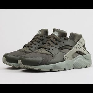 Nike Shoes - NIKE HUARACHE RUN (GS) SEQUOIA  DARK STUCCO d0256f663